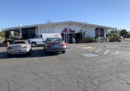 Large 5000 sq ft Freestanding restaurant for sale in Sacramento