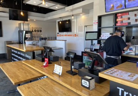 Franchise Burger restaurant for sale in San Pablo shopping center